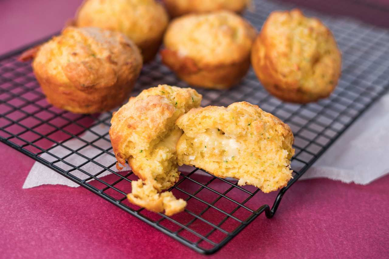 Cheesy garlic bread muffins